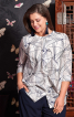 Блуза прямого крою з подвійними деталями - фото 1