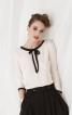 Блузка з окантовкою горловини і рукавів - фото 1