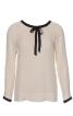 Блузка з окантовкою горловини і рукавів - фото 2