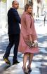 Пальто розкльошеного крою для нареченої - фото 4
