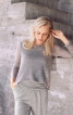 Пуловер із вирізом гойдалкою - фото 1