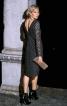 Сукня-футляр з V-подібним вирізом на спинці - фото 1