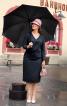 Сукня-футляр з глибоким V-подібним вирізом - фото 1