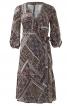 Сукня відрізна із запахом і рукавами 3/4 - фото 2