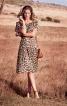 Сукня на бретелях з вирізом кармен - фото 1
