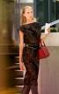 Сукня прямого крою з фігурними рукавами - фото 1
