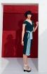 Сукня з V-подібними вирізами горловини - фото 1