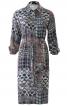 Сукня-сорочка з рукавами реглан-погон - фото 2