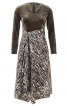 Сукня з вузьким ліфом і V-подібним вирізом - фото 2