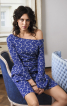 Трикотажна сукня з вирізом човником - фото 1