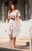 Сукня з глибоким вирізом і рукавами-крильцями - фото 1