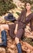 Сукня трикотажна із запахом і воланами - фото 1