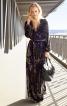 Сукня з запахом і глибоким вирізом горловини - фото 1