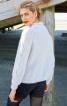 В'язаний пуловер з косами і стоячим коміром - фото 4