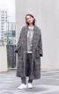 Просторе пальто з шалевим коміром - фото 1